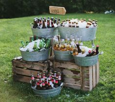 Galvanized metal cart party bucket DIY drink station, a great piece for your nex .Galvanized metal trolley party bucket DIY drink station, a great piece for your next BBQ evening or barbecue party! Wedding Day, Wedding Hacks, Diy Wedding Bar, Beer Wedding, Drinks Wedding, Wedding Parties, Food Ideas For Wedding, Outdoor Rustic Wedding Ideas, Rustic Country Weddings