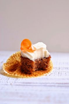 pecan-carrot cake cupcakes with vanilla bean cream cheese frosting /