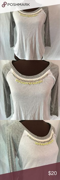 Vera Wang Princess Ribbed Ringer Tee Fun, white and gray ringer tee decked out in mesh and beads from Vera Wang.   |✅25% Off Bundles| |✅Questions Welcomed| |✅Reasonable Offers| |⛔️Trades| |⛔️Offline Transactions| |Thrift is Sexy 💋👠 Vera Wang Tops Tees - Long Sleeve