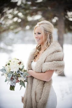 Bridal Wedding/ Vintage Fur Stole Shrug Cape Shawl