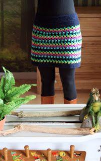 Superleuk rokje om te haken, met een tricot rokje eronder! http://bosliefje.blogspot.be/2011/06/gehaakt-dekentje-en-rok.html