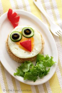 What a cute take on the classical #breakfast #eggs and #toast! || #Cute #food for #kids