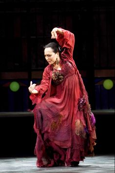Christina Hoyos - in the history of flamenco, one of Spain's premier dancers Can say I saw her dance live, Phe-nomenal Shall We Dance, Lets Dance, Spanish Dancer, Spanish Art, All About Dance, Dance Like No One Is Watching, Flamenco Dancers, Dance Movement, Contemporary Dance