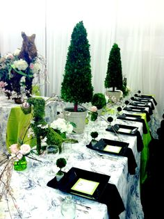 English Topiary mock reception at Wedding Festivals.