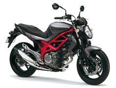 10 buenas motos recomendables para mujeres: Suzuki Gladius 650