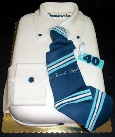 Simple and well-executed guy cake.