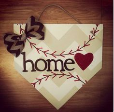 I must make this for our front door! I love the baseball theme with chevron.