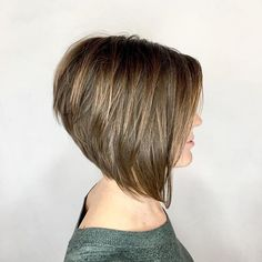 High stacked aline bob, this haircut ticks all the boxes !!! Perfect in every way, love the stack and the steep angle to the front. All…