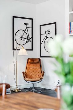 Toile et tableaux - La touche d'Agathe - wall art frame murs décor PHOTOS… Bicycle Painting, Bicycle Art, Bicycle Design, Art Decor, Room Decor, Photo Deco, Decoration Inspiration, Interior Decorating, Interior Design