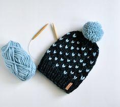 Fair Isle Bonnet avec pompon / / Hand Knitted par StarSeventeen