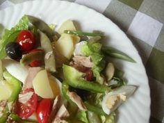 Nisuaz salatası Fransız mutfağına ait bir salatadır. İçinde ton balığı, haşlanmış yumurta, yeşil fasulye ve patates gibi sebzeler olan bu salata karbonhidrat ve protein açısından oldukça dengeli, vitamin ve mineraller açısından da son derece besleyicidir...