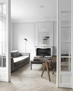 Paris apartment by architect @nicolasschuybroek (Via @ivy.concept ) #interiordesigner #interiordesign #interiors #interior #home #sergemouille #decor #design #architect #architecture #art #apartment #paris #france