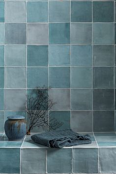 bathroom tiles 40 Modern Bathroom Tile Designs and Trends Modern Bathroom Tile, Bathroom Tile Designs, Bathroom Trends, Bathroom Interior Design, Bathroom Renovations, Master Bathroom, Blue Bathroom Tiles, Toilet Tiles Design, Blue Tiles