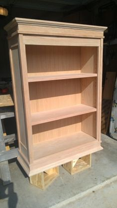 All about woodworking! Easy woodworking projects, furniture making tools, general woodworking tools, professional woodworker and more. Diy Wood Projects, Furniture Projects, Furniture Plans, Rustic Furniture, Furniture Making, Wood Crafts, Diy Furniture, Woodworking Power Tools, Woodworking Projects