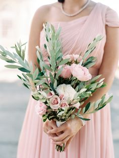 Blush rose + olive branch bouquet: http://www.stylemepretty.com/maryland-weddings/bethesda-maryland/2016/05/20/a-greek-inspired-affair-complete-with-an-olive-oil-bar/ | Photography: Abby Jiu - http://www.abbyjiu.com/