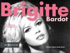 Cet hommage photographique à Brigitte Bardot contient des clichés tout aussi variés que magnifiques, autant pour Madame que pour Monsieur ! Disponible sur la liste de mariage Madame et Monsieur.
