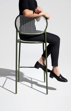 Design meets fashion at Milan Design Week 2019 Fast Furniture, French Furniture, Online Furniture, Urban Furniture, Steel Furniture, Furniture Stores, Metal Chairs, Bar Chairs, Chair Design