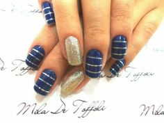 Gold / Blue Stripes Nails