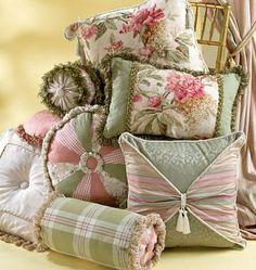 McCalls Sewing Pattern M4410   cushions diy