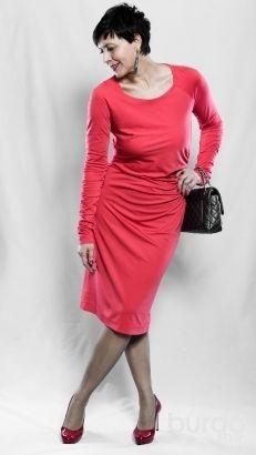 Sukienka z dzianiny koralowa / Pentax / Burdastyle