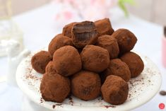 Chocolates, Truffles, Food Photography, Bakery, Fez, Cookies, Food Styling, Balls, Desserts