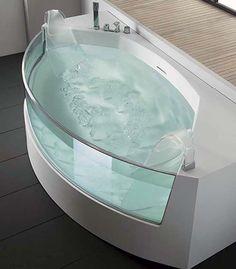 clear bath tub. Clear, crisp, elegant, big, and beautiful.