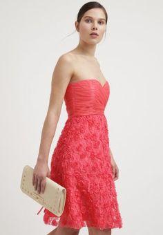 Robes de soirée Cream WILMA - Robe de soirée - sugar coral corail  57,00 €  chez Zalando (au 28 01 16). Livraison et retours gratuits et service client  ... 1e1bc3e8f6d