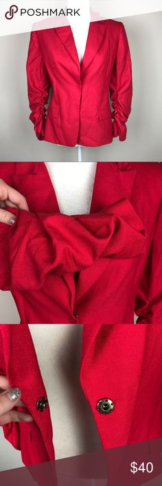 """Tahari Ruched Sleeve Blazer T Tahari ruched sleeve blazer. In EUC, hardly worn, no stains or holes. Some light wear to the lining near the tag. Super cute career style. Bust 20"""". Length 23.5"""". Pit to cuff (sleeve length) 14.5"""". ::236 Tahari Jackets & Coats Blazers"""
