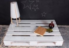 01_mesa-palets-blanco-mulhacen1-1palet-sinruedas-convidrio Pallet, Furniture, Home Decor, Sustainable Design, Upcycling, White People, Wood, Home, Homemade Home Decor
