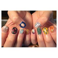 いいね!252件、コメント1件 ― NavyHouseさん(@navyhouse.nail)のInstagramアカウント: 「アイドルのお客様 ライブ前の気合いネイルです✨お任せ&ごちゃごちゃでとのオーダーでした☺️レッスン前にありがとうございました✨ #nails #nail #nailart #art…」