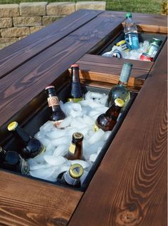 Build a DIY patio table with a drink cooler and matching benches. The built-in ice boxes are covered when not in use, making a perfect picnic table for outdoor dining. Outdoor Projects, Projects For Kids, Wood Projects, Recycling Projects, Project Ideas, Cool Woodworking Projects, Outdoor Ideas, Best Man Caves, How To Make Everything
