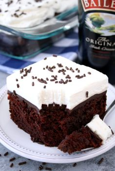Our All-Time Top 3 Chocolate Dessert Recipes Poke Cake Recipes, Poke Cakes, Cupcake Cakes, Dessert Recipes, Baker Recipes, Irish Cream Cake, Irish Cake, Baileys Cake, Irish Recipes