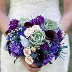 Happy #flowerfriday with this gorgeous #succulent #thistle and #rose bouquet - I love the rich #purple colours a lovely fresh #winterbouquet #weddingflowers #flowerstagram #weddingbouquet #bridesbouquet #purpleflowers #coolcolours #coolcolors #moodboard #succulentlove #succulentsofinstagram #winterwedding #decemberwedding #happyfriday #londonblog #londonblogger #weddingblog #weddingblogger #devinebride pic by @bridebookflowers