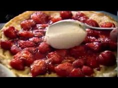 Gordon Ramsay's Ultimate Cookery Course S01E16  Recipes: Steak sandwiches Blueberry & ricotta pancakes with yoghurt & honey Crab & mascarpone crêpes Coconut pancakes with mango & lime syrup Home made crumpet  Cooking tips: Peeling & cutting mango Checking pineapple ripeness Peeling kiwi Ripening fruits Making fruit purée