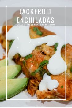Jackfruit Enchiladas may be vegetarian, but taste just like chicken! This dish is spicy and flavorful without the meat. Crockpot Recipes, Soup Recipes, Vegetarian Recipes, Dinner Recipes, Healthy Recipes, Vegetarian Dinners, Healthy Treats, Potato Recipes, Healthy Habits
