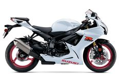 The rest of the Suzuki sportbike line up, including the GSX-R750, GSX-R600 and Hayabusa remain unchanged for 2017 with the exception of BNGs (Bold New Graphics).