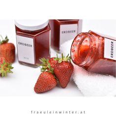 🍓🍓🍓Homemade Strawberry Jam🍓🍓🍓 . . Gibt's was besseres als selbstgemachte Erdbeermarmelade zum Frühstück? So guuut 😋 . . #strawberry #strawberryjam #homemadejam #jam #selfmade #homemade #diy #erdbeeren #erdbeermarmelade #erdbeerkonfitüre #selbermachen #einfachgut #frühstück #daslebengenießen #kleinefreuden #daslebenistschön #homemadeisbetter #blogger_at #frischgebloggt #fraeuleinwinter Candle Jars, Candles, Strawberry, Fruit, Food, Life Is Beautiful, Strawberries, Homemade, Make Your Own