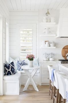 Home Decor Living Room All White Kitchen with Wood Floor and Bread Boards.Home Decor Living Room All White Kitchen with Wood Floor and Bread Boards Beach Cottage Style, Coastal Cottage, Cottage Homes, Beach House Decor, Coastal Living, Home Decor, Country Living, Coastal Style, Coastal Homes