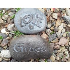 """ORDERING-Using the drop down menu  - Choose the size of stone.   - Chose your stones Text  -. :) we will then send a proof of your stone to you.     *If you need a stone larger than listed please request a CUSTOM ORDER and will price it out for you.   *Large and up stones cost more to ship, engrave and pack, we can do up to a 33.5"""" length x23"""" High stone.   * Please submit your zip code for calculating shipping.   Thank you.    *ARTWORK-   We offer 1 free layout with our supplied artwork or…"""
