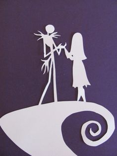 Nightmare Before Christmas inspired Jack and Sally silhouette, Paper Art I would like to make it a wall stencil. Holidays Halloween, Halloween Diy, Halloween Decorations, Halloween 2018, Nightmare Before Christmas Dolls, Disney Silhouette Art, Sally Skellington, Paper Animals, Jack And Sally
