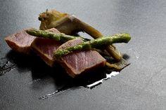 Tataki de atún rojo con alcachofa y triguero #Cantabria #Spain