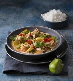 Thai Red Curry, Chicken, Ethnic Recipes, Food, Ideas, Essen, Meals, Thoughts, Yemek
