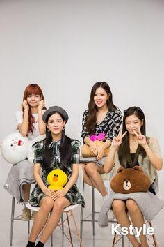 Your source of news on YG's current biggest girl group, BLACKPINK! Kim Jennie, Kpop Girl Groups, Korean Girl Groups, Kpop Girls, Yg Entertainment, Blackpink Youtube, Chihiro Y Haku, Divas, Blackpink Members
