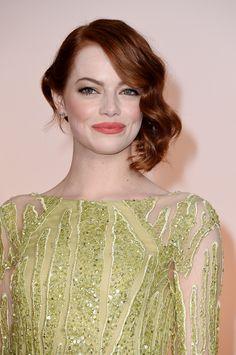 Not a brunette but a beautiful #makeup look nonetheless. #EmmaStone #Oscars2015