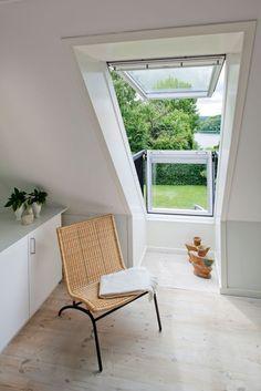 VELUX CABRIO balcony windows - make use of your loft space. Via www.bobedre.dk