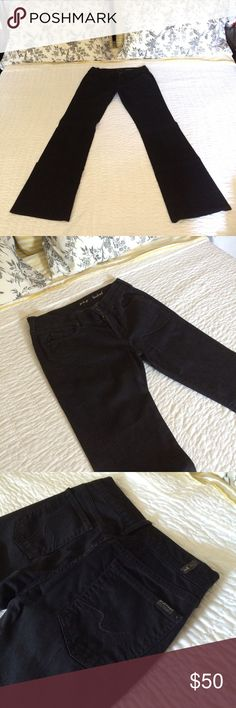 7 For All Mankind Black Bootcut Jeans (EUC) Excellent used condition black bootcut 7 For All Mankind jeans. Lightweight and comfortable. Comes from a smoke-free, pet-free environment. 7 For All Mankind Pants Boot Cut & Flare