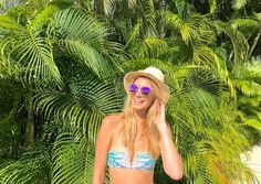 Read all about our weekend in the iconic Acapulco, Mexico. Find out why I love this retro tropical paradise and why Acapulco is having a come-back! Tropical Paradise, This Is Us, Mexico, Retro, Swimwear, Acapulco, Bathing Suits, Swimsuits, Retro Illustration
