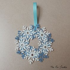 The Pin Junkie: DIY Paper Snowflake Wreath Ornament