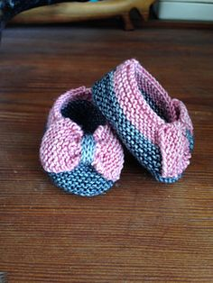 Knit Baby Bow Booties free pattern