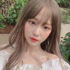 생각이 많아서 정리가 안돼 🕳 Asian Cute, Cute Asian Girls, Beautiful Asian Girls, Cute Girls, Cool Girl, Pretty Korean Girls, Korean Beauty Girls, Cute Korean Girl, Asian Beauty